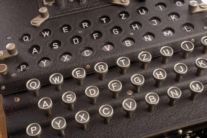 rotor cipher machine 1147801 1920 e1521488626458 - O Enigmie, wynalazkach i patriotyzmie