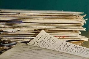 stack letters 447579 1920 1 300x199 - Dzienniki czasów wojny. Fenomen pisania