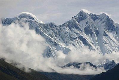 "everest 2328381 1920 400x270 - ""Himalaistki"". Kobiety gór"