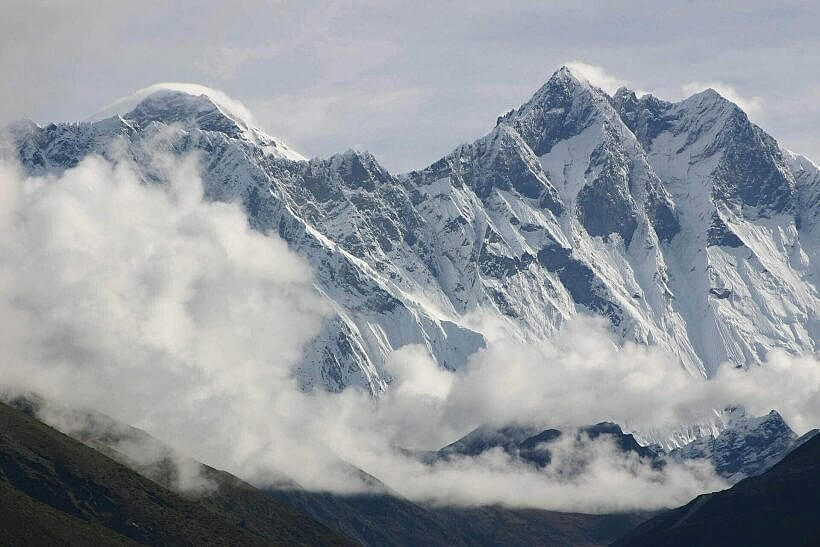 "everest 2328381 1920 820x547 - ""Himalaistki"". Kobiety gór"
