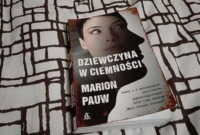 """IMG 20180604 232223 400x270 - """"Dziewczyna w ciemności"""", Marion Pauw - kryminał na lato"""