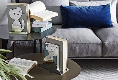 a di alessi podporka do ksiazek vigo  vigo 2 s2500x2500 400x270 - Prezent dla książkoholika - co kupić zamiast książki?