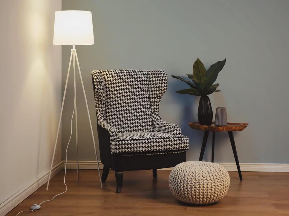 undef src sa picid 250536 x 1000 type color image - Kącik do czytania - jak wybrać fotel, lampę i regał?