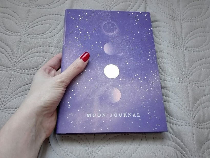 moon journal okładka