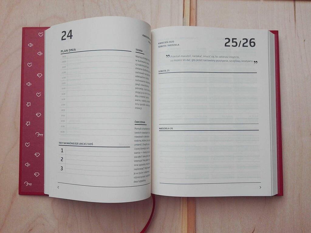 IMG 20191214 114646 1024x768 - Kalendarz coachingowy CreateYourself 2020 byMateusz Grzesiak