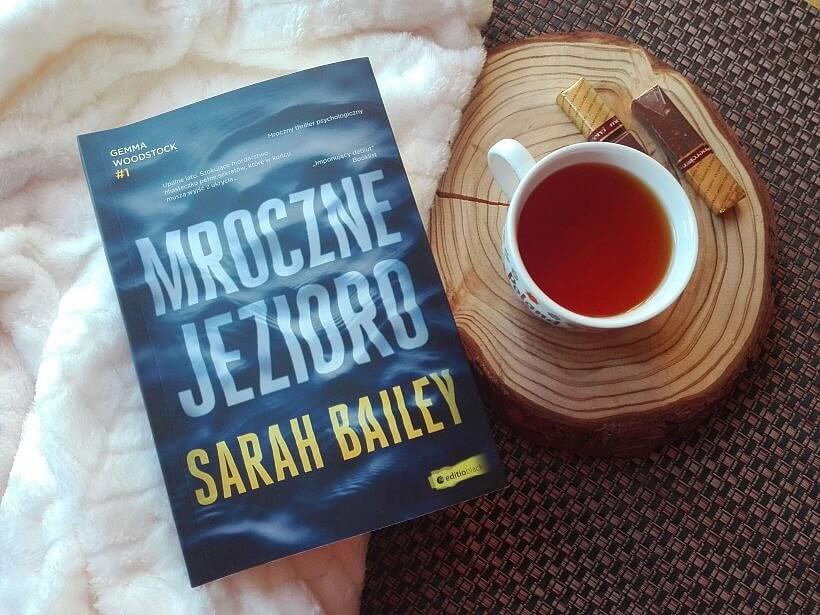 mroczne jezioro bailey sarah 2 820x615 - Mroczne jezioro - Sarah Bailey