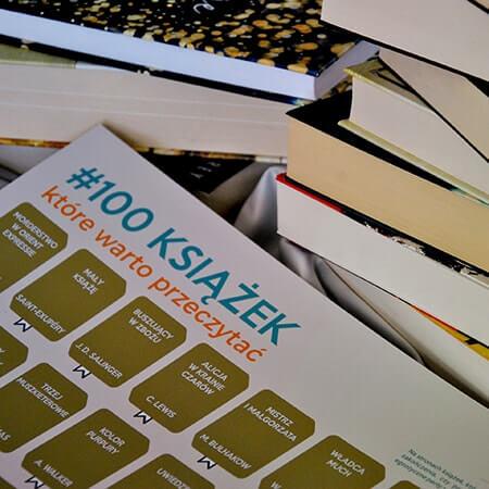 100 ksiazek ktore warto przeczytac perk1 - Prezent świąteczny dla książkoholika: co kupić zamiast książki?