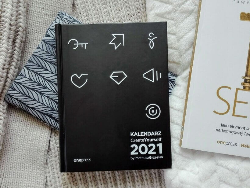 IMG 20201106 121918 1 4 820x615 - Kalendarz Create Yourself 2021, Mateusz Grzesiak